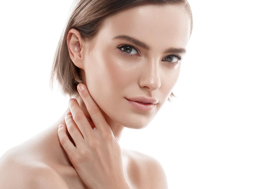 鼻中隔延長術の名医は、同時にオーダーメイドI型プロテーゼ挿入も行える