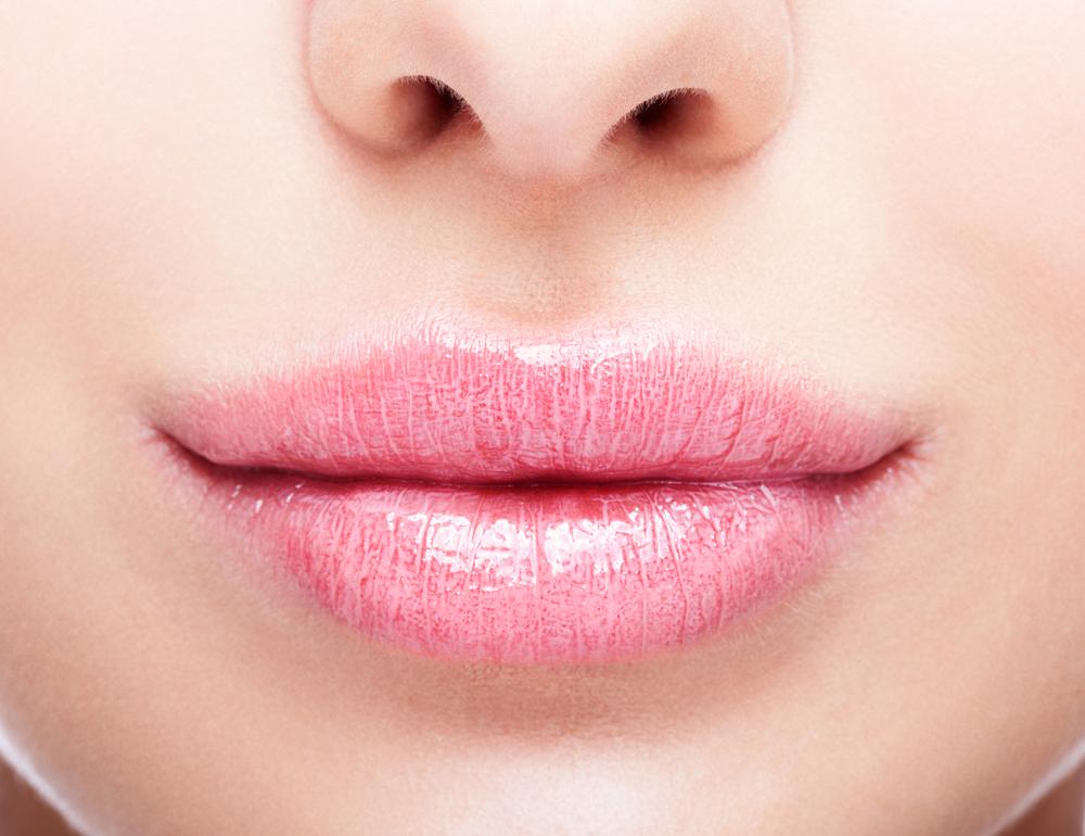鼻中隔延長術のダウンタイム、腫れは何日くらい?